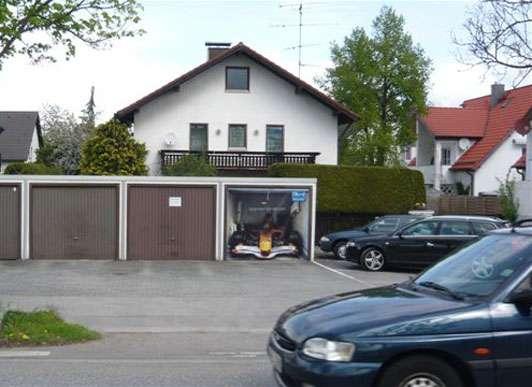 Adornos Garage