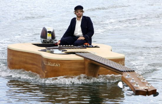 Huge Mother Guitar Boat I M Winning The Ebay Auction And Don T Don T Want To Be Ultimate Guitar