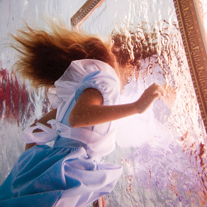 Elena Kalis Alice in wonderland
