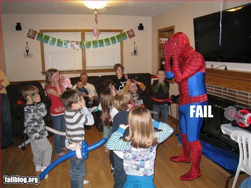 Spiderman que ama a los niños