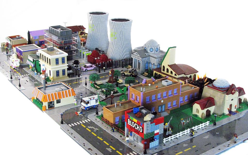 springfield-lego1Lego Simpsons House
