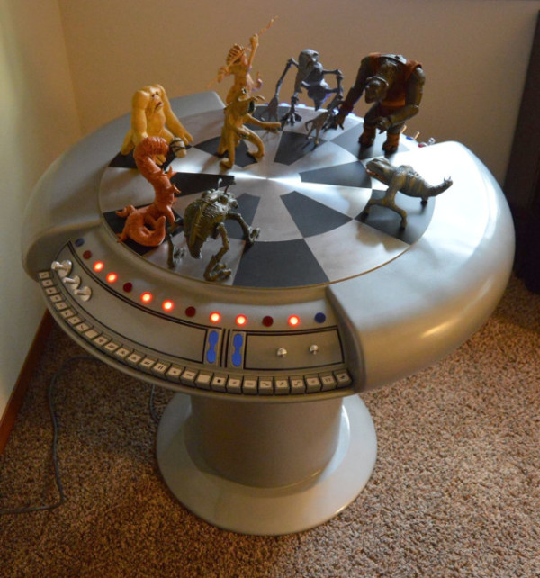 star-wars-holochess-table